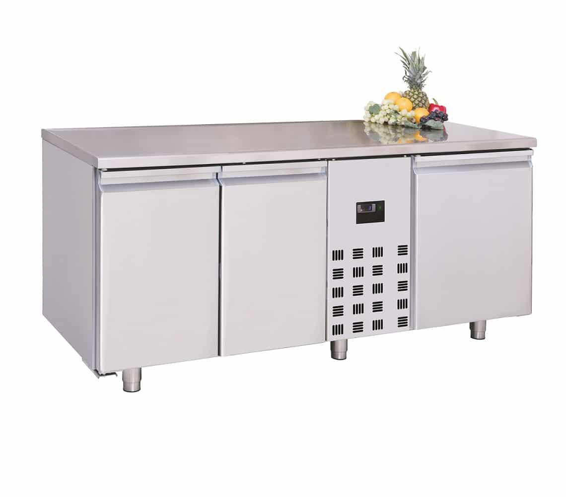 table réfrigéré avec 3 portes